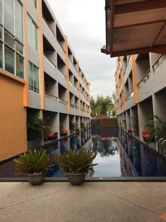 FuramaXclusive Sandara Hua Hin: 晚上到的,酒店不错,早餐也很好!