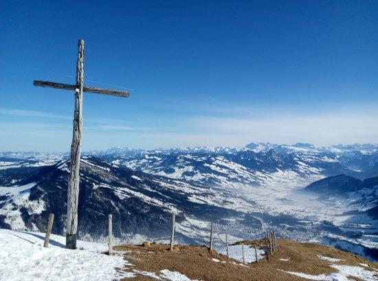 Mt. Rigi : 瑞吉山顶的一把十字架