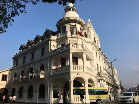 Queen's Hotel: photo1.jpg
