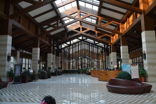 Jiaxing, China: 酒店大堂