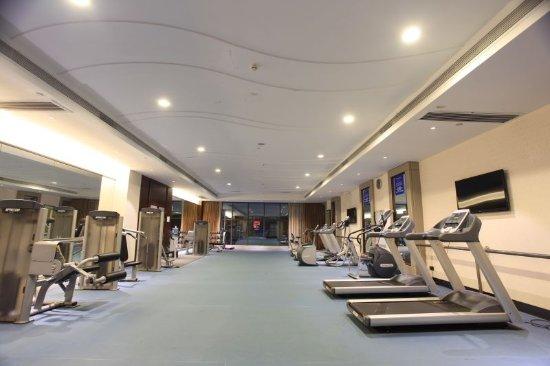 Chenzhou, China: 健身房晚上还能去!