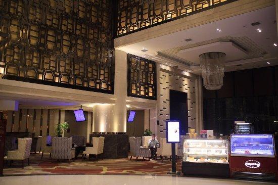 Chenzhou, China: 在酒店大堂吧边休息边喝咖啡,坐着很舒服!