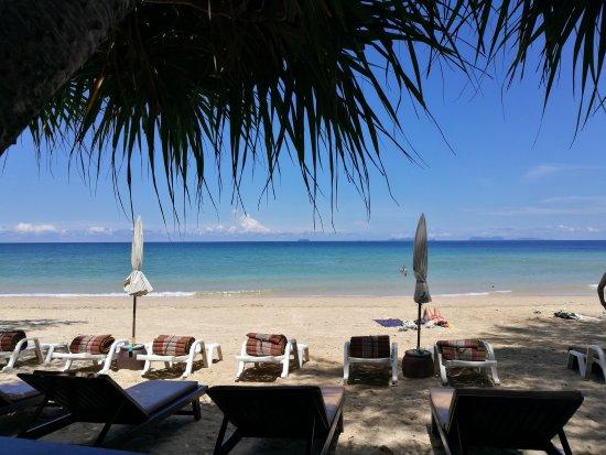 Lanta Castaway Beach Resort: IMG_20170409_112246_large.jpg