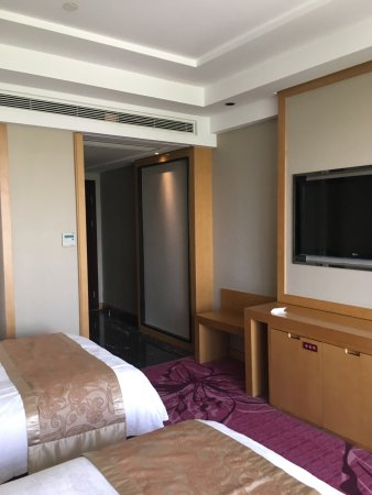 Wuyang Feili Hotel : 环境优雅,设施比较干净,早餐略显简单。