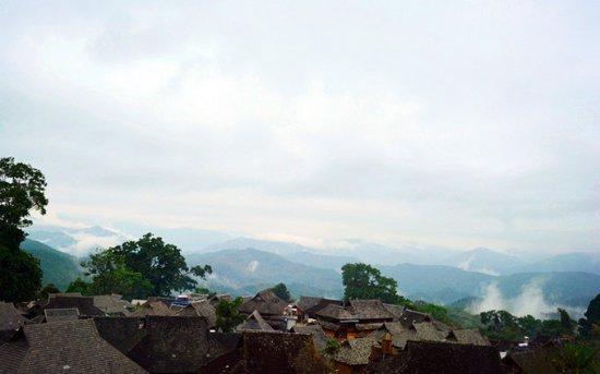 Lancang County, China: 云雾缭绕