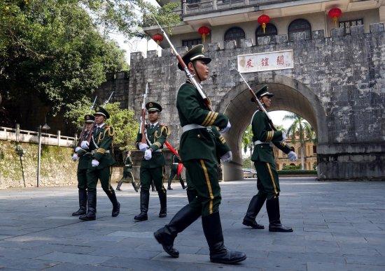 Pingxiang Friendship Gate: photo9.jpg