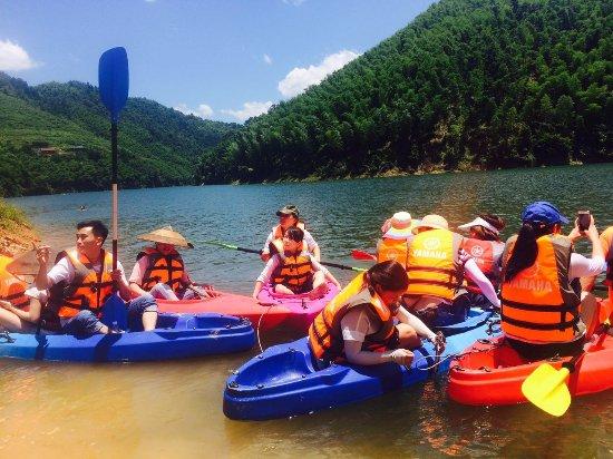 Hongjiang, Kina: 玉龙湖划船