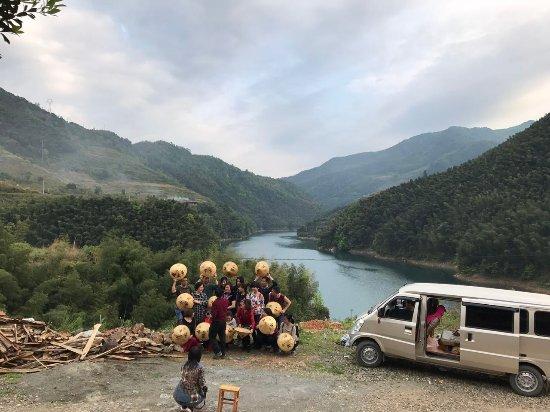 Hongjiang, Cina: 玉龙湖农庄合影