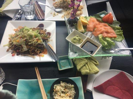 Bambus Asian Cuisine and Lounge: 来到雷克雅未克,感觉自己的胃活过来了,终于不是面包羊排了!好吃!