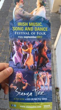 Siamsa Tire National Folk Theatre: 昨天晚上的去拍的节目单。和前面别人评论的不太一样哦。