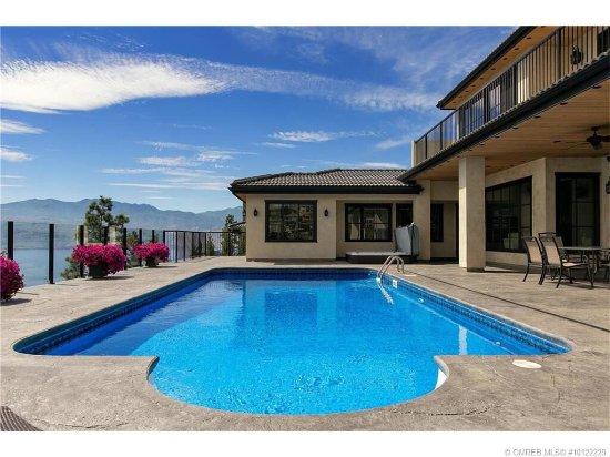 Mission Hill Lake View Villa