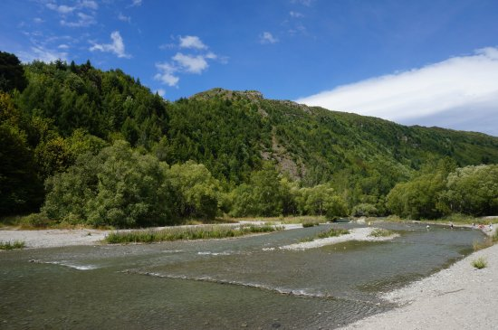 Arrowtown, New Zealand: 夏天的箭河