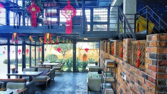 Deqing County, China: 莫干山圣岛·莫干洋家乐