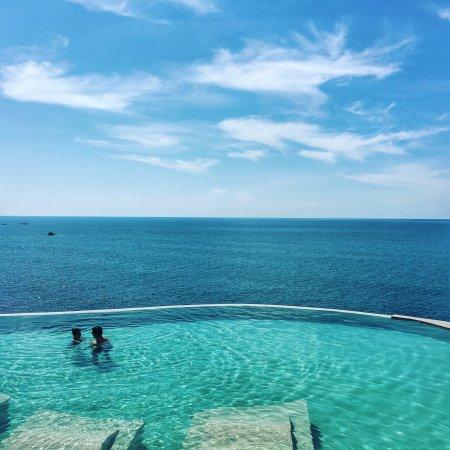 Silavadee Pool Spa Resort: 在这里我们一家老小度过了一个完美的假期,一切都物超所值。酒店的无边泳池堪称绝美,而且人也不多,只需要配备一个手机防水套,随便几张都能成为大片!私人沙滩提供免费皮划艇及浮潜装备!需要改进的是洗澡