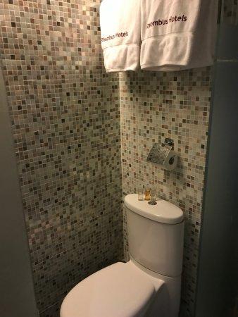 Minimal Hotel Urban: 隆堡雅逸酒店浴室