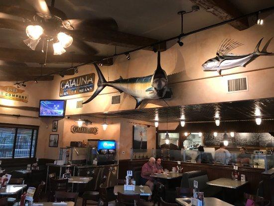 แบนนิง, แคลิฟอร์เนีย: 炸鱼的鱼肉有点老,柴柴的味道一般,薯角不热,有点软有点凉,可能期望太高,味道一般。
