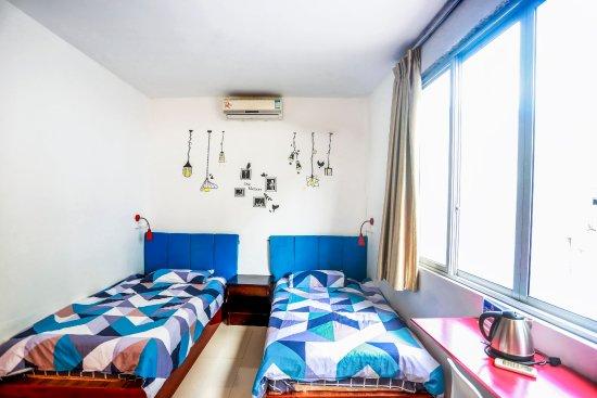 Showbiz Inn Photo