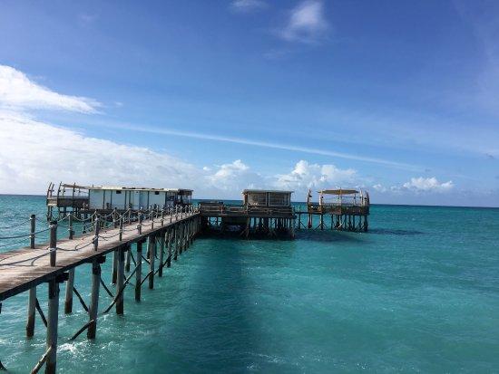 Essque Zalu Zanzibar: 风景很美,可惜没有沙滩,房间很好,服务人员很热情,不过饮食跟级别不匹配,自助早餐东西很少,午餐晚餐的菜单也非常简单