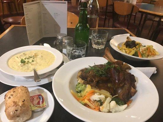 Timaru, New Zealand: 非常棒的一家餐厅…很美味,很大份…