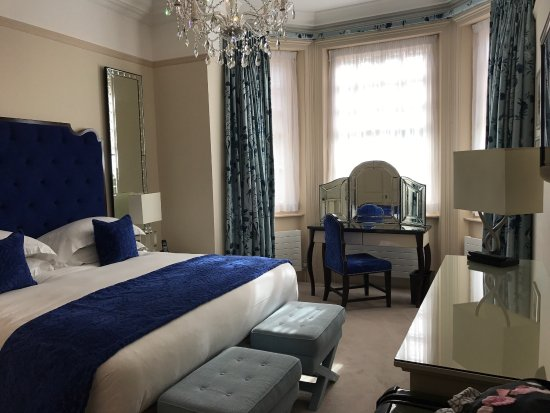 The Apartments by The Sloane Club: Checked in on the 25th of June 2017 Check out on the 10th of June 2017