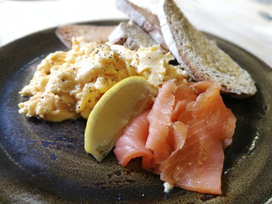 Mannion And Co: scrambled eggs and smoked salmon