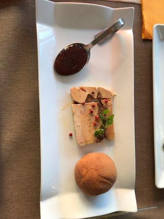 Les-Salles-sur-Verdon, Γαλλία: 菜品很精致,口味也很棒。性价比很高的一家餐厅