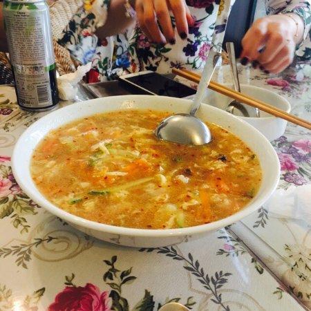 在土国吃到亲切的中国菜,饭菜美味可口,老板娘人很好,给介绍饭菜还有棉花堡的旅游建议。网红店打卡哈哈哈五星推荐