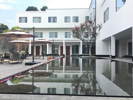 Ya'an, Китай: 蜀中驿瓦舍旅行酒店