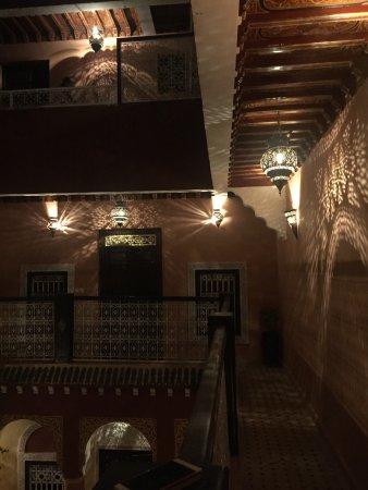 Riad Naya: 夜晚的庭院