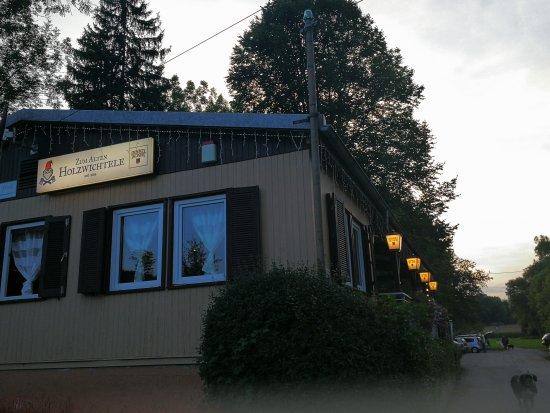 Ditzingen, Tyskland: 偶然发现的这家餐厅很美味,章鱼超级大又鲜嫩,价格也实惠。超赞