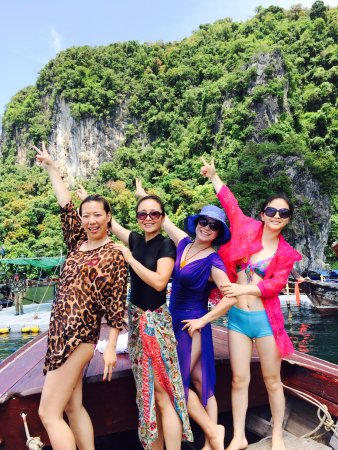 Andaman Camp and Day Cruise : 美女们