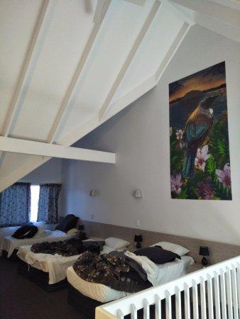 Arista of Rotorua: 2楼的家庭床