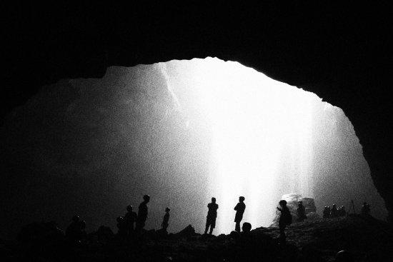 ư�远忘不了天空洒下的光轴和那胶片般的画面。每一帧都是电影,时光在一瞬间仿佛凝固。 Unforgettable