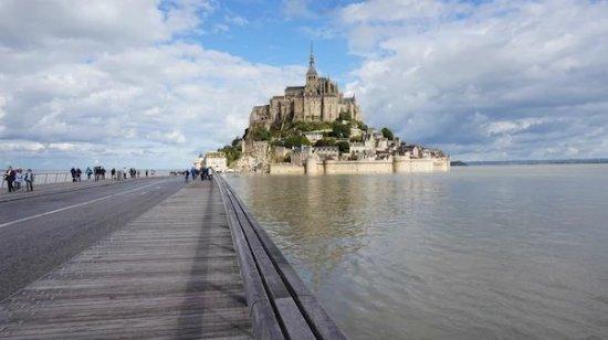 Mont-Saint-Michel, Prancis: a7f8383f8eea1920c637eb9fbc97e7f4_large.jpg