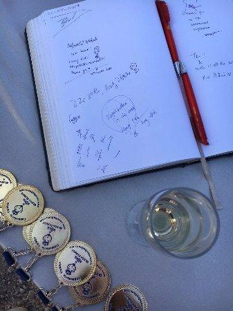 Royal Balloon: 结束后的签字留念