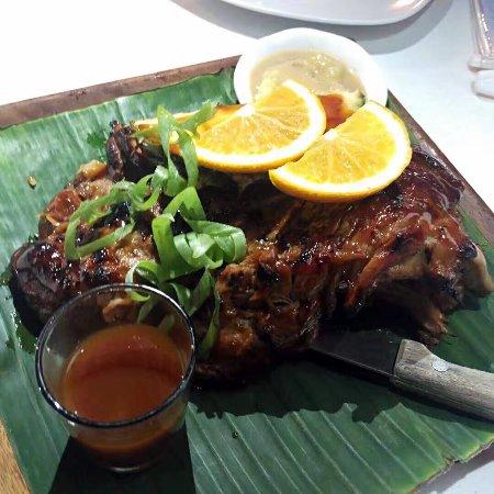 Caticlan, Filippine: 烤肉,海鲜,节目