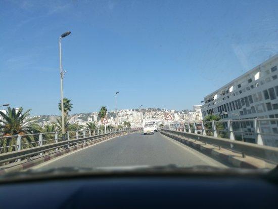 阿尔及利亚Boumerdes: House Of Burgers