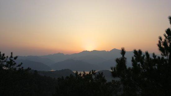 Jinzhai County, Κίνα: 梅山水库风景区