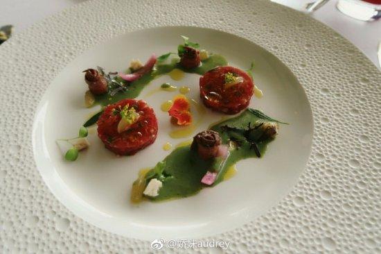 Le Normandie: 开胃菜-牛肉