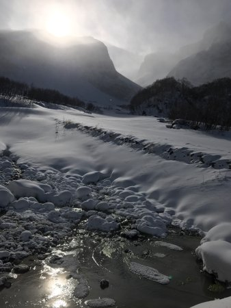 Baishan, Kina: 千里冰封 万里雪飘 一泄千尺的景象是看不到了 就感受下皑皑白雪的感觉吧