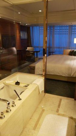 Zhengzhou, Cina: mmexport1512836765088_large.jpg