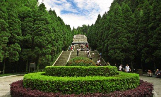 Ji'an, Cina: 烈士纪念碑
