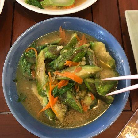 Anchan Vegetarian Restaurant: Long eggplant Thai