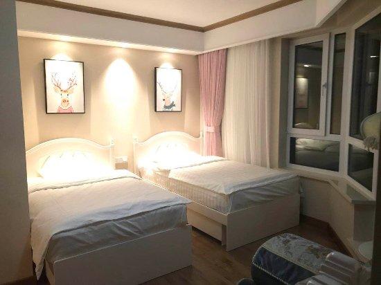 Zhengying Village, Shiping: 万科270度雪景房     120平米      两室两卫两厅      家电厨房用品齐全