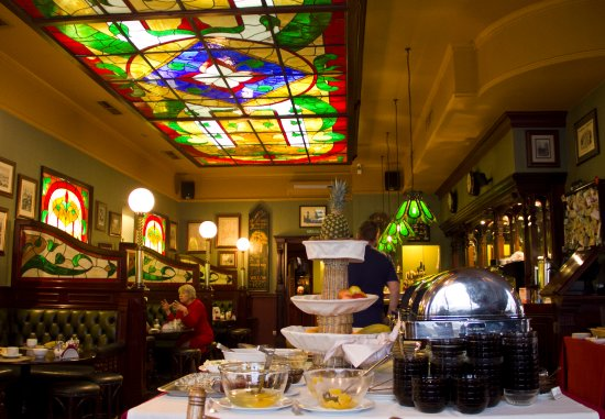 Hotel Angara: 酒店的西餐厅