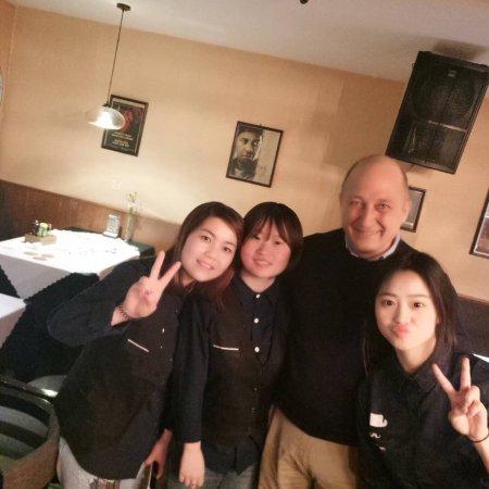 Qidong, Κίνα: Fabri and girls