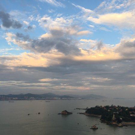 厦门瑞颐大酒店: 能看到白海豚的酒店,要定海景房噢