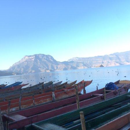 中国丽江古城: 美丽的泸沽湖