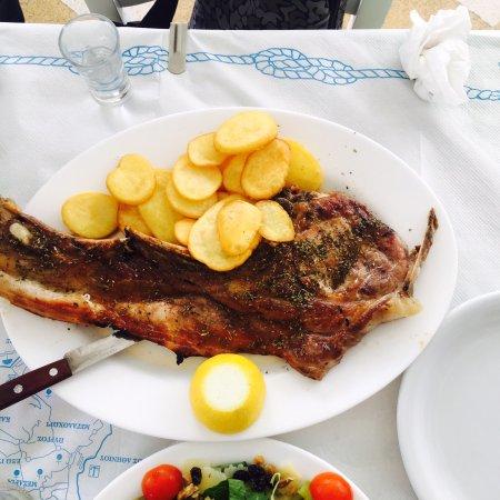 Taverna Romantica: 超棒的一家店,离蓝顶很近,老板很热情,大猪排太大了,肉食动物都吃撑了