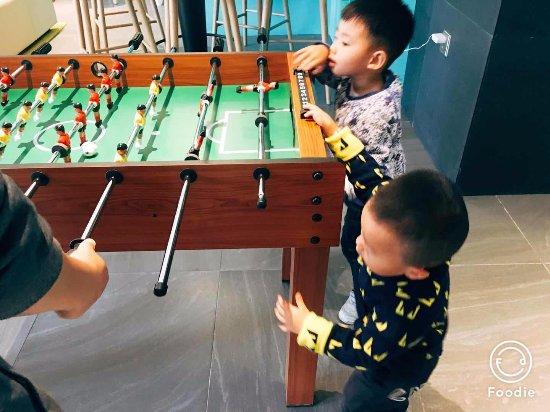 Magnotel Guilin Yangshuo West Street : 大堂娱乐桌上足球